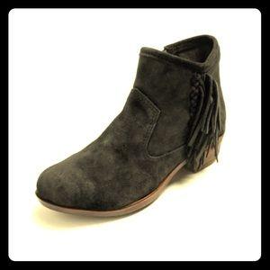 Minnetonka Moccasins Women's Blake Boot